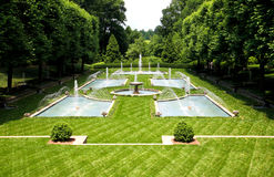 Een Italiaans tuinontwerp in een botanische tuin royalty-vrije stock afbeelding