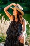 Een jong meisje in de stijl van het land. Royalty-vrije Stock Fotografie