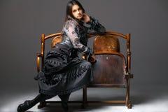 Een jonge aantrekkelijke vrouw Stock Foto's