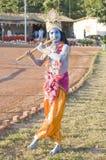 Een jonge mens kleedde zich als Lord Krishna Royalty-vrije Stock Fotografie