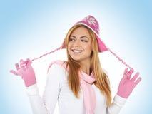 Een jonge roodharigevrouw in de winterkleren Royalty-vrije Stock Afbeelding