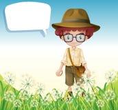Een jongen die zich dichtbij het gras met een lege callout bevinden stock illustratie