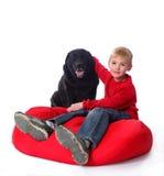 Een jongen en zijn hond Royalty-vrije Stock Foto's