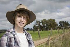 Een Jongen van het Land in het Platteland Stock Fotografie