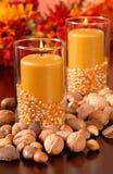 Een kaars in de herfst het plaatsen Royalty-vrije Stock Foto's