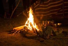 Een kampbrand stock foto's