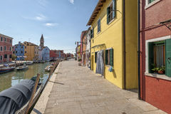 Een kanaal in Burano Royalty-vrije Stock Foto's