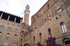 Een kerk in Siena, Italië stock fotografie