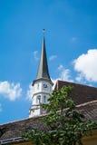 Een kerktoren op het oude centrum van Wenen Royalty-vrije Stock Foto's