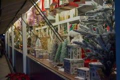 Een Kerstmismarkt in de straat stock fotografie