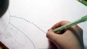 Een kind` s tekening stock video