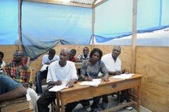 Een klaslokaal in Cite Soleil- Haïti. Royalty-vrije Stock Foto's