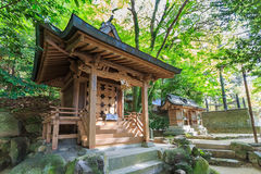 Een klein houten heiligdom in Dazaifu Tenmangu Stock Afbeelding