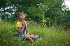 Een klein meisje in kleurrijke Sari royalty-vrije stock foto