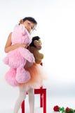 Een kleine ballerina met haar beren Stock Afbeeldingen