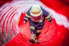 Een kleine brandweerman Royalty-vrije Stock Afbeeldingen