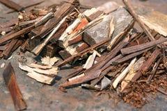 Een kleine gestapelde stapel van brandhout Royalty-vrije Stock Afbeeldingen