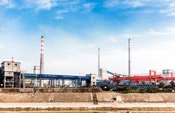 Een kleine ijzer en een staalfabriek Stock Foto's