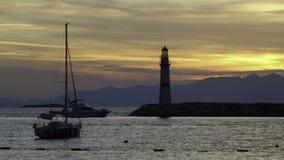 Een kleine kuststad Turgutreis stock videobeelden