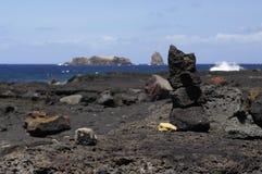 Een kleine steenstapel, Pico eilandkust. Royalty-vrije Stock Foto's