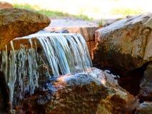 Een kleine waterval Royalty-vrije Stock Afbeelding
