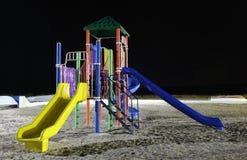 Een kleurrijke speelplaats voor kinderen met dia's Stock Fotografie