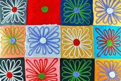 Een Kleurrijke Textiel in bloemvorm stock afbeeldingen