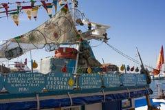 Een Kleurrijke Vissersboot Royalty-vrije Stock Foto's