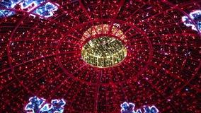 Een koepel van Kerstmislichten stock videobeelden