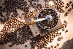 Een koffiemolen met natuurlijk licht Stock Fotografie