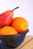 Een kom met vruchten Stock Foto