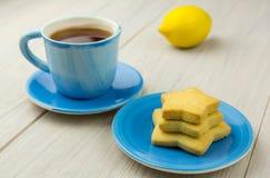 Een kop thee en een dessert Royalty-vrije Stock Foto's
