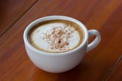 Een kop van Capuchino-koffie Royalty-vrije Stock Afbeeldingen