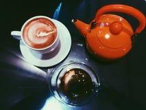 Een kop van coffe stock afbeeldingen