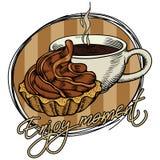 Een kop van het stomen van koffie en cake op een beige gestreepte plaat De inschrijving geniet van ogenblik Uit de vrije hand tek vector illustratie