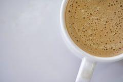 Een Kop van hete lattekoffie stock afbeelding