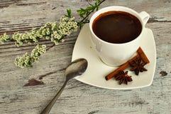 Een kop van koffie voor een zakenman Royalty-vrije Stock Afbeeldingen
