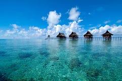 Een kunstmatige Kapalai eiland exotische toevlucht Stock Afbeeldingen