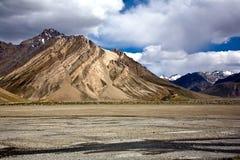 Een landschap dichtbij Rangdum-klooster, Zanskar-Vallei, Ladakh, Jammu en Kashmir, India Stock Foto's