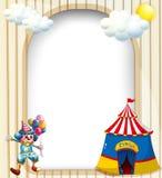 Een leeg malplaatje met een circustent en een mannelijke clown Royalty-vrije Stock Fotografie