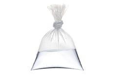 Een lege plastic zak met water stock fotografie