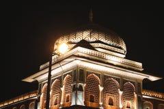Een LEIDENE aangestoken koepel in Chandpole bazar in Jaipur, India stock foto's
