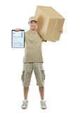 Een leveringsmens die een pakket brengt Stock Fotografie