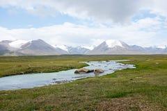 Een Lijn van Bergen in Kyrgyzstan Royalty-vrije Stock Foto