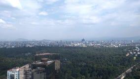 Een luchtmening van Chapultepec-Bos in Polanco, Mexico-City stock footage