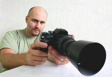 Een mannelijke fotograaf Stock Foto's