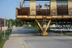 Een mariene spoorweg die boten in muskoka vervoeren Stock Afbeeldingen