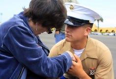 Een marine en zijn Moeder royalty-vrije stock fotografie