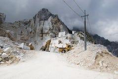 Een marmeren steengroeve van Carrara Stock Afbeeldingen