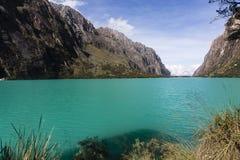 Een meer in het Nationale Park van Huascaran stock afbeelding